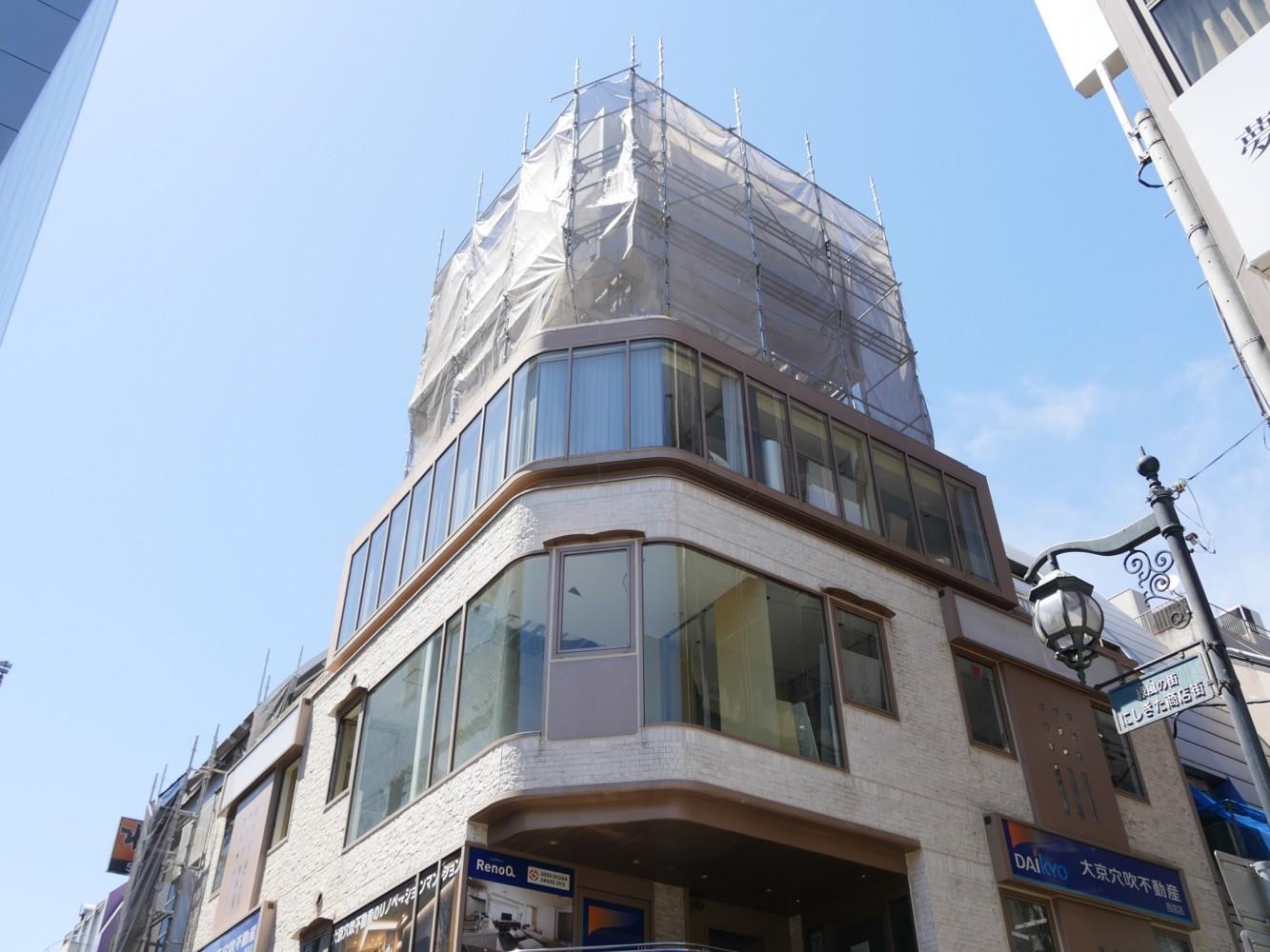 ミニミニや大京穴吹不動産が入っている不二屋ビル3・4階に、河合塾マナビスの西宮北口校がオープン。