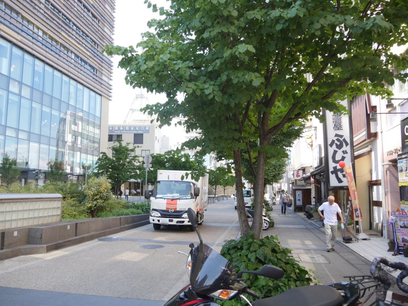 西宮市の「餃子食堂マルケン」は阪急西宮北口駅徒歩2分