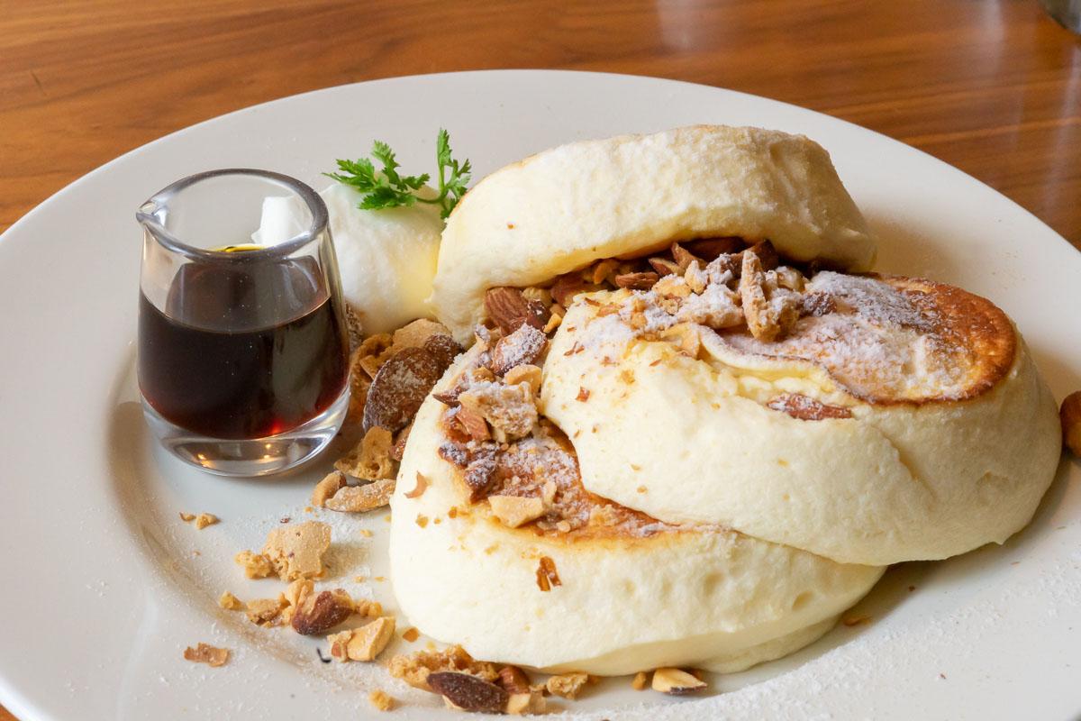 夙川の人気カフェヨーキーズブランチのパンケーキはふわふわ